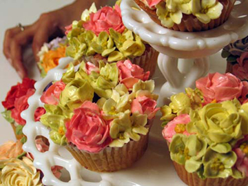 roses-cupcake.jpg