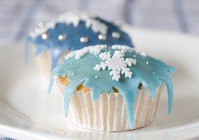 snowflake-cupcakes.jpg