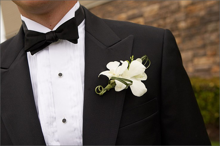 Groom: How to tie a Bow Tie
