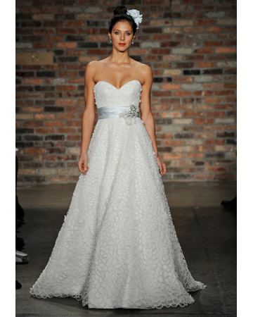 Bridal Fashion 2011: Feel like a Princess!