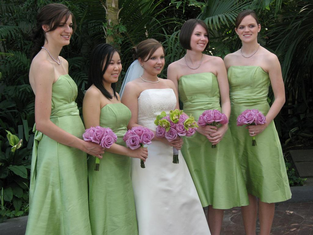 green/lilac bridal party