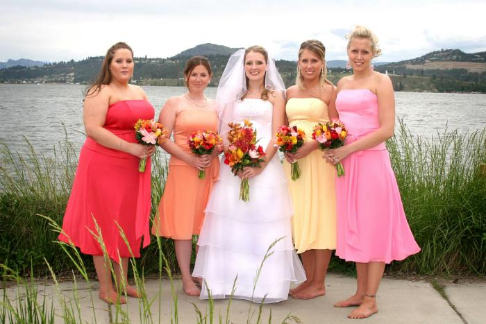 Pastel Colored Bridal Party