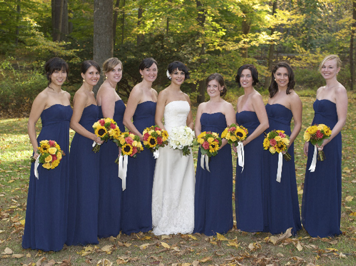 bridal-party-navy-dress-sunflowers-18505