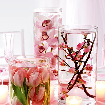 Submerge your Flowers for Chic (and Cheap!) Centerpieces